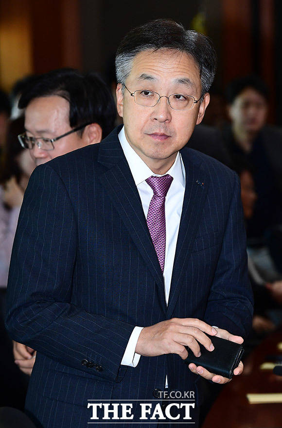 홍원식 이베스트투자증권 대표이사