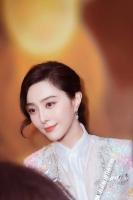 [TF댓글뉴스] 판빙빙, 명품 처분·은퇴설·결혼설...