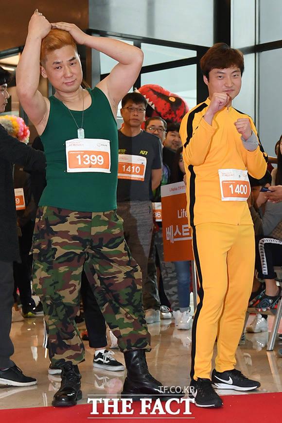 게임 캐릭터 가일(왼쪽)과 이소룡