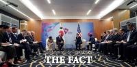 文대통령, 아세안·APEC 일정 마치고 귀국…비핵화 협력 주력