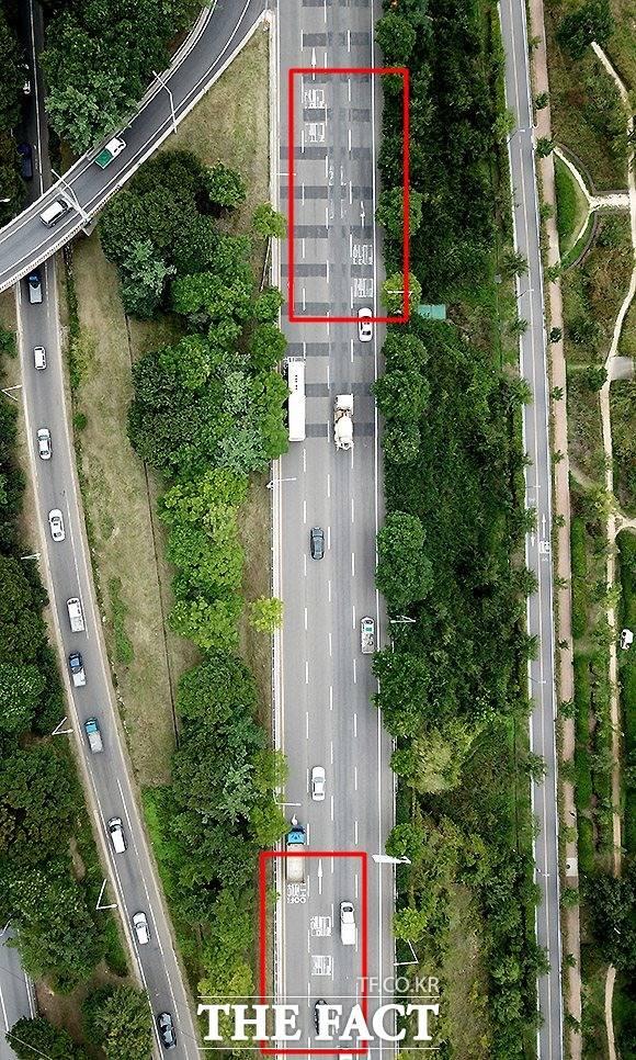 도심도 상황은 마찬가지 서울 강변북로 일산에서 서울방향으로 진행되는 도로의 노면표시가 훼손돼 운전자들이 불편을 겪고 있다.