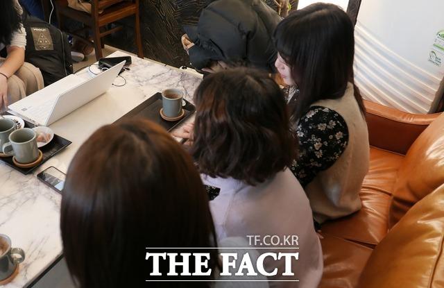 유아교육학과 학생들은 사립유치원 문제를 두고 터져야 할 것이 터졌다고 입을 모았다. /문혜현 기자