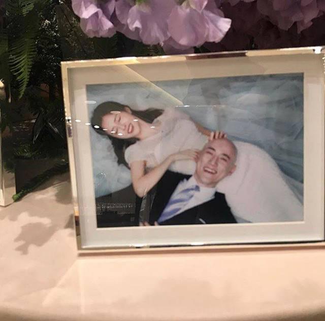 조수애 전 아나운서와 박서원 두산그룹 전무가 8일 신라호텔 영빈관에서 백년가약을 맺었다. 사진 속 조수애 전 아나운서와 박 전무의 행복한 모습이 눈길을 끈다. /인스타그램
