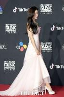 [TF포토] 정채연, '청순 매력 물씬 뽐낸 순백의 드레스'