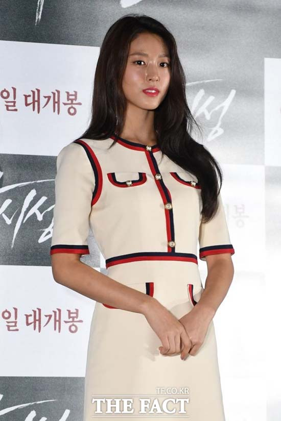 AOA 멤버 설현이 지난 15일 무대 위에서 갑작스럽게 쓰러졌다. /남윤호 기자