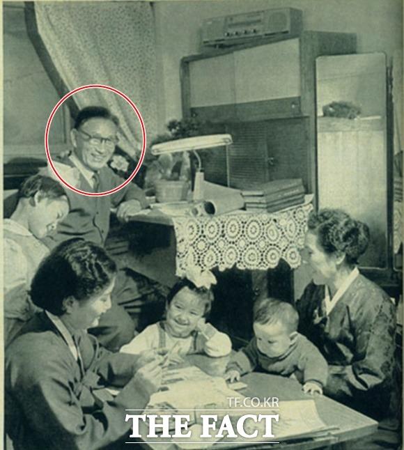 1973년 발행된 조선화보 3월호에는 김 위원장의 외조부 고경택(원) 씨의 일가의 수기가 게재됐다. /정성장 세종연구소 수석연구위원 제공