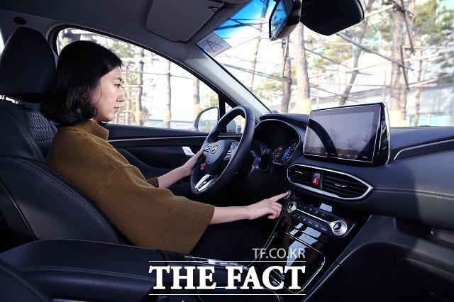 '지문으로 시동 건다' 현대차, 세계 최초 스마트 지문인증 시스..