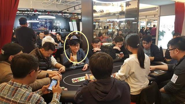 이제는 프로포커플레이어로 불러주세요. 김학도(사진 원안)는 프로포커선수(Pro Poker Player) 전향 후 첫 국제대회에 출전해 3개부문에 입상하는 기염을 토했다. /J88포커 제공