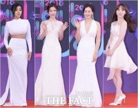 [TF포토] 레드카펫 수놓는 '화이트 드레스 여신들'