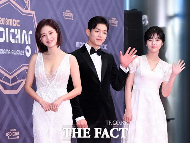 드라마 배드파파 의 김재경과 하준, 신은수(왼쪽부터)