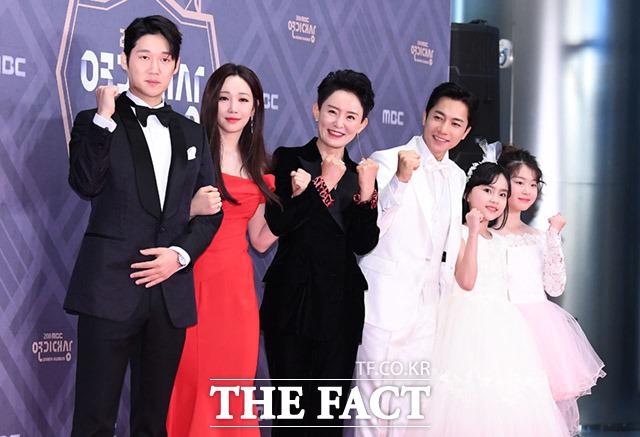 드라마 숨바꼭질의 송창의와 이유리, 윤다경, 김영민, 조예린, 이나윤(왼쪽부터)