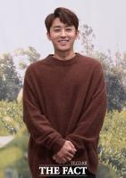 [TF포토] 손호준, '바리스타의 부드러운 미소'