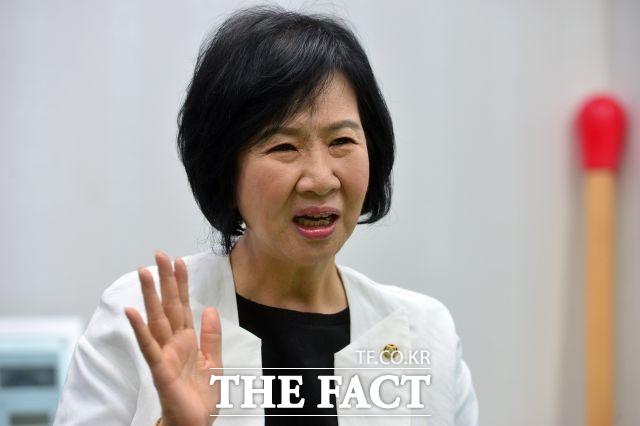 손혜원 민주당 의원이 목포 부동산 투기·차명 거래 의혹 등에 대해 전 재산, 의원직, 목숨까지 걸며 강하게 부인했다. /더팩트DB