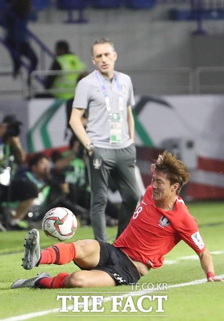 벤투 감독이 이끄는 한국은 조별리그 3연승으로 1위를 기록하며 오는 22일 A조3위 바레인과 8강 진출을 놓고 다투게 됐다./뉴시스