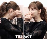 [TF사진관] 이나영, '손하트는 민망해~'