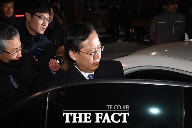 말없이 떠나는 박 전 대법관