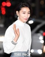 [TF포토] 김서형, '카리스마 넘치는 인사'