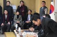 [TF포토] 김태우 전 수사관 추가 폭로 지켜보는 야당 의원들