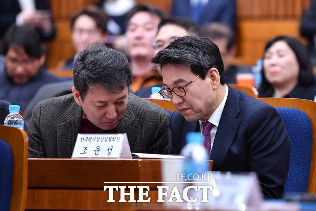 대화 나누는 이재광 전국가맹점주협의회장(왼쪽)과 조윤성 한국편의점산업협회장