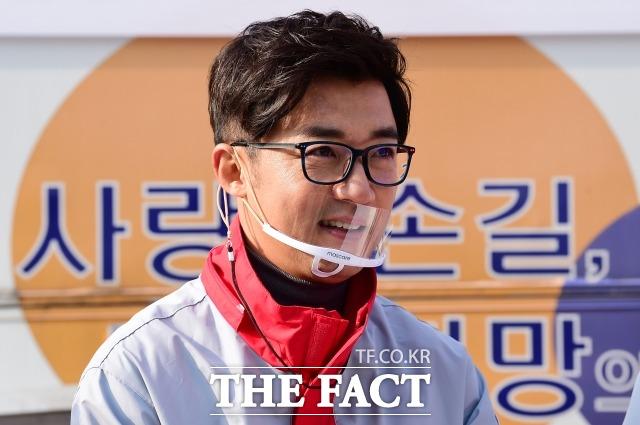 다음 달 9일부터 뮤지컬 영웅에 주인공 안중근 의사 역으로 출연하기로 했었던 배우 안재욱. /더팩트DB