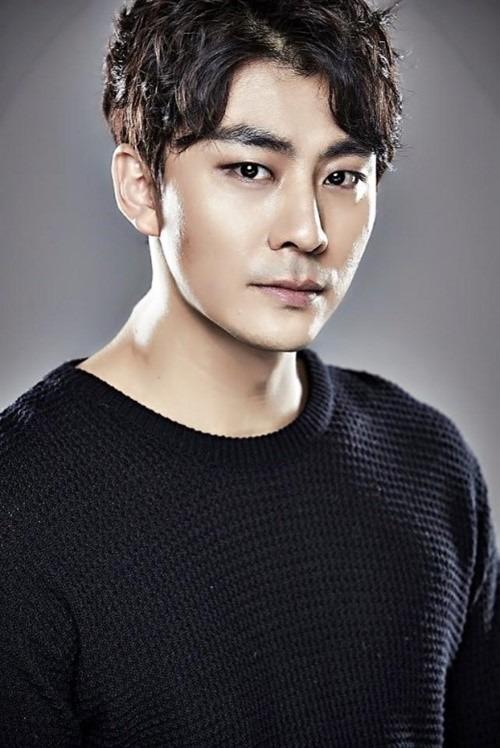 배우 김보강은 면허가 없음에도 운전대를 잡아 물의를 빚었다. /에너제딕 컴퍼니