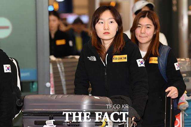 최민정(왼쪽)과 김지유 선수