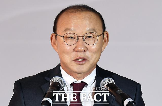 소감을 밝히는 박항서 감독