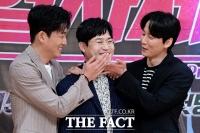 [TF사진관] 고준-김성균-김남길, '보스와 사제 사이에 선 쫄보형사'