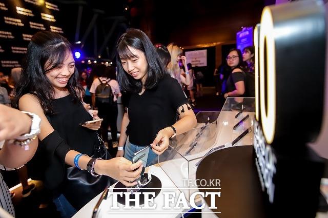 삼성전자, 싱가포르서 '갤럭시 S10' 신고식…글로벌 마케팅 '시..