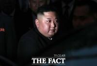 [TF포토] '베트남 북한 대사관 찾은 김정은 위원장'