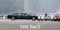 [TF포토] 베트남 주석궁 들어서는 트럼프 대통령
