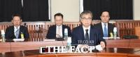 [TF포토] 2차 북·미 정상회담 결과 보고 나선 서훈 국정원장