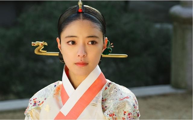 이세영은 지난 4일 종영한 tvN 드라마 왕이 된 남자에서 중전 유소운으로 분해 열연을 펼쳤다. /tvN 왕이 된 남자 제공