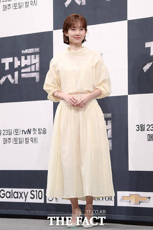 어디로 튈 지 모르는 열혈 전직 기자, 배우 신현빈