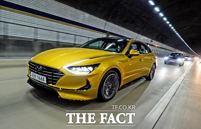현대자동차가 지난 21일 경기도 고양시 일산 킨텍스에서 지난 2014년 3월 7세대 모델 출시 이후 5년 만에 출시한 신형 쏘나타의 신차 발표회 및 미디어 시승행사를 진행했다. /현대자동차 제공
