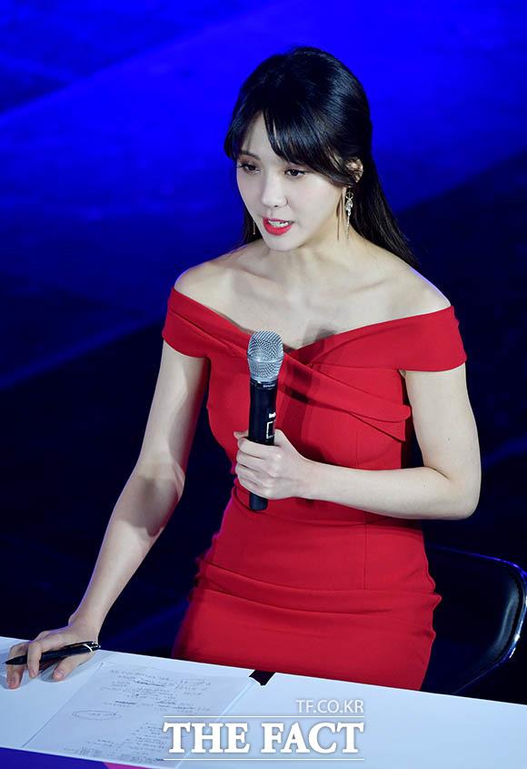 김민아 아나는 멘트 연습 중~♥