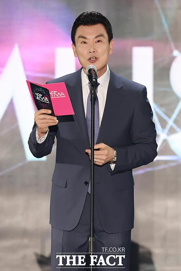 더팩트 뮤직 어워즈 영예의 대상은!