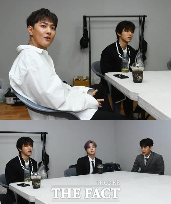 아이콘 멤버들은 따뜻한 4월에 열리는 더팩트 뮤직 어워즈 시상식이 열려서 좋았다고 말했다. /이동률 기자