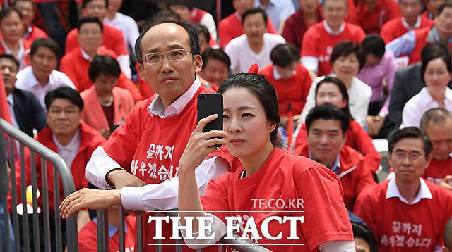 홍카콜라TV제작자로 활동중인 배현진 자유한국당 송파을 당협위원장