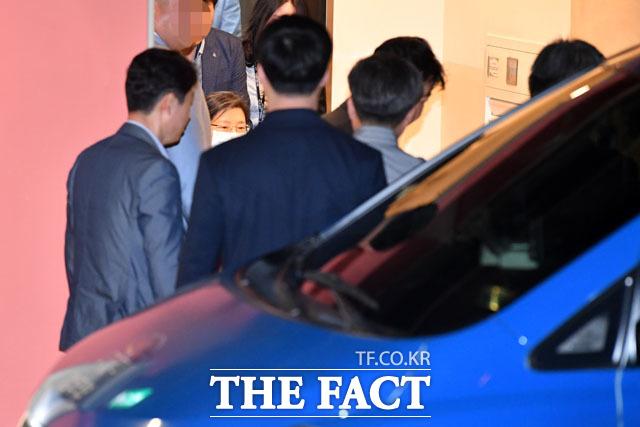진료 마치고 나온 박 전 대통령.