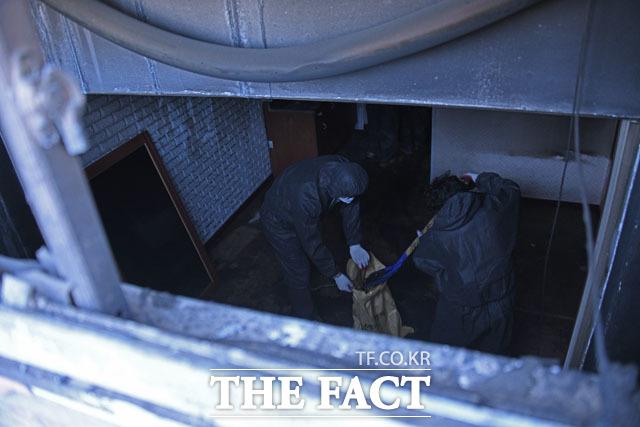 삶의 터전 되찾을 수 있을까? 피해 지역에 전국적인 봉사활동과 성금이 모금되고 있지만 삶의 터전을 잃은 이재민들에게 보상되는 금액은 최대 6300만 원 가량이다.
