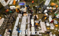 [TF포토기획] 새벽을 여는 노량진 수산시장의 '명암'