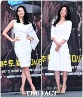 [TF포토] 윤지민-경수진, '여신 느낌 가득한 화이트 드레스'