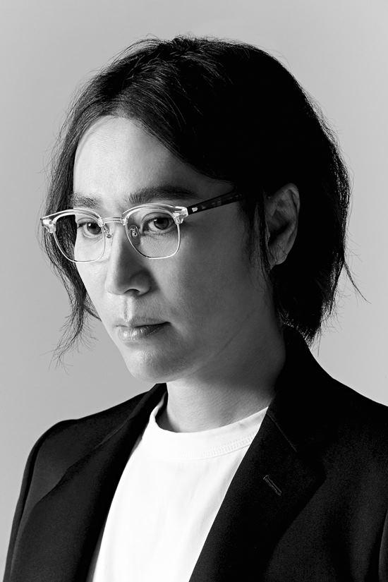 정재형의 Avec Piano는 그만의 감성을 고스란히 피아노 선율에 담아내 만든 앨범이다. /안테나뮤직