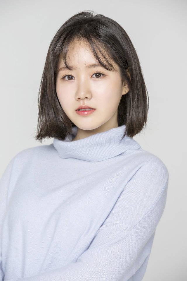 배우 진지희가 씨제스 엔터테인먼트와 계약을 맺고 활발한 활동을 펼칠 예정이다. /씨제스 엔터테인먼트 제공