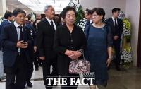 [TF포토] 고 이희호 여사 빈소 찾은 이한열 열사 모친