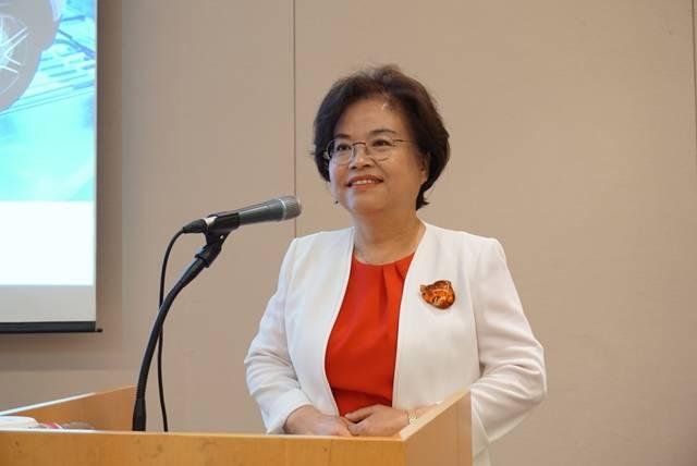 진정아 에이에프더블류 대표가 13일 서울 여의도에서 열린 기업공개 기자간담회에서 상장 계획과 성장 전략을 설명하고 있다. /에이에프더블류 제공