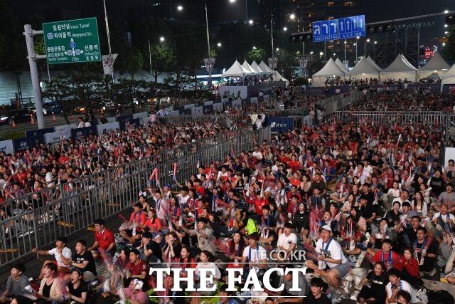 U-20 축구 한국대표팀의 우승을 기원하는 거리응원이 전국 곳곳에서 열린다. 2018년 러시아 월드컵 당시 거리 응원 당시. /남윤호 기자