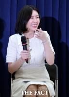[강일홍의 연예가클로즈업] 산으로 간 윤지오 '논란', 상처만 남았다