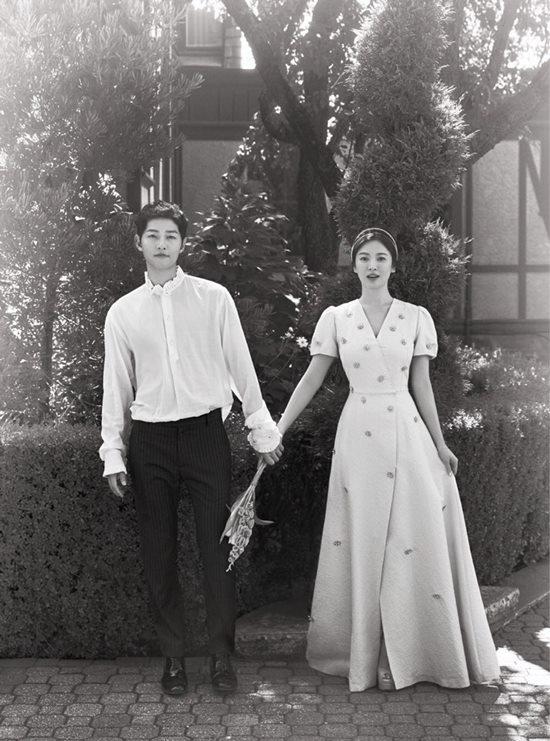 송중기(왼쪽) 송혜교는 이혼 사유에 대해 성격 차이라고 밝혔다. /블러썸엔터테인먼트, UAA코리아 제공
